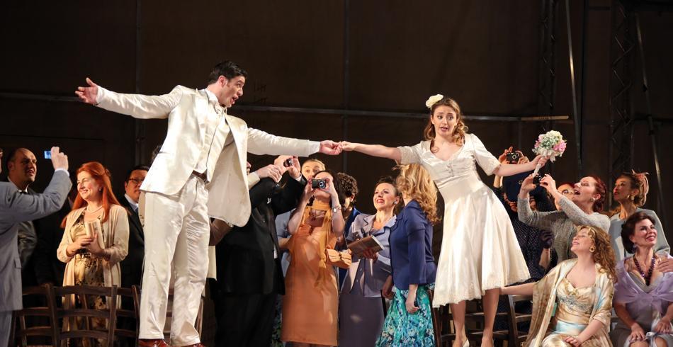 Closed curtains intermission - Don Giovanni Teatro Alla Scala