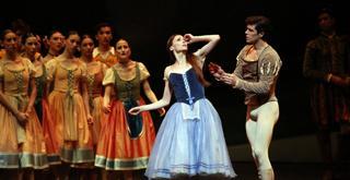 Giselle   Svetlana Zakharova e Roberto Bolle ph Brescia e Amisano Teatro alla Scala K61A8043