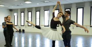 Bella   le prove in sala   al centro Svetlana Zakharova ph Brescia e Amisano Teatro alla Scala K65A4992