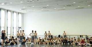 Bella   le prove in sala con gli allievi della scuola di ballo ph Brescia e Amisano Teatro alla Scala K65A5162