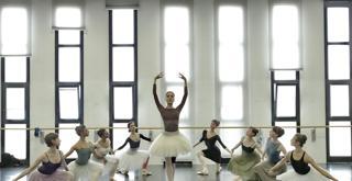 Bella   le prove in sala   Vittoria Valerio e il corpo di Ballo ph Brescia e Amisano Teatro alla Scala K65A9738 X