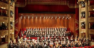 2009 22 dicembre conc di Natale Orchestra e Coro Scala 536205MBDG foto Marco Brescia