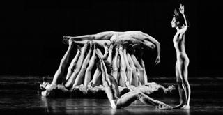 R Le sacre du printemps Glen Tetley ..ph Lelli e Masotti Teatro alla Scala  20419LMN