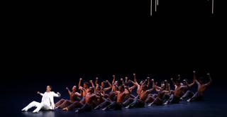 BIRDS WALKING ON WATER Mick Zeni e il corpo di ballo  .ph Brescia e Amisano ©Teatro alla Scala (1)