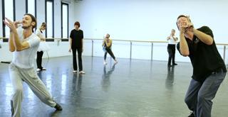 Massimo Murru  con Alexei Ratmansky in prova per La bella addormentata  ph Brescia e Amisano Teatro alla Scala  K65A9918 X