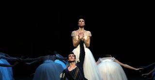 Giselle   Svetlana Zakharova e Roberto Bolle ph Brescia e Amisano Teatro alla Scala  K61A8358