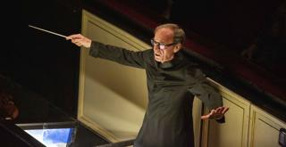 Evelino Pidò 688408BADG  ph Brescia e Amisano © Teatro alla Scala