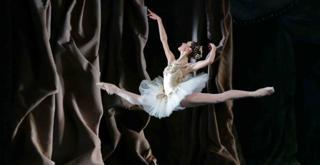 Jewels Diamonds Cor. George Balanchine © The Balanchine Trust    Nicoletta Manni ph Brescia e Amisano Teatro alla Scala