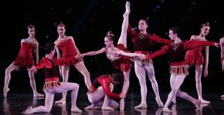 Jewels Rubies Cor. George Balanchine © The Balanchine Trust    al centro Virna Toppi foto Brescia e Amisano Teatro alla Scala