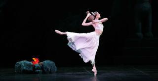 La bayadere vers Makarova   Svetlana Zakharova   archivio Scala  ph Marco Brescia Teatro alla Scala (2)
