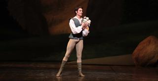 Marco Agostino (Hilarion)    Ph Brescia Amisano Teatro alla Scala