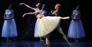 Nicoletta Manni   Timofej Andrijashenko   ph Brescia e Amisano   Teatro alla Scala  (2)