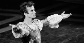 Rudolf Nureyev  ph Lelli Masotti Teatro alla Scala 5028LMN