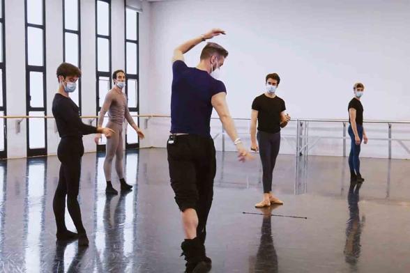 Tappo balletto1