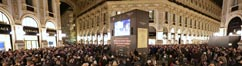 Giant screen in Galleria Vittorio Emanuele