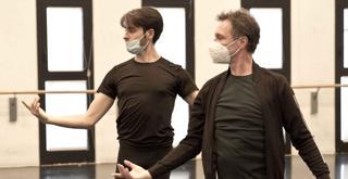 x  K61A5860 ph Brescia e Amisano © Teatro alla Scala   Manuel Legris in prova con Marco Agostino1